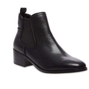 Steve Madden dicey boots size